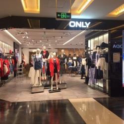 绫致时装销售(天津)有限公司导购工作环境
