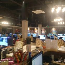 广州番禺磐石网吧工作环境