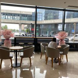 颐林咖啡店工作环境