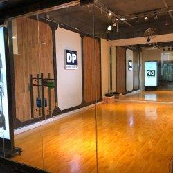 舞客街舞潮牌工作室工作环境