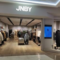JNBY燕莎奥特莱斯店导购工作环境