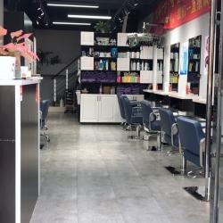 昆山市玉山镇梵熙美容美发店工作环境