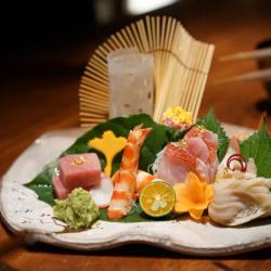鱼旨福日本料理工作环境